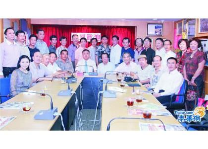 2012–12-17 中国书画家代表团莅访青商会李桂雄欢迎马流洲团长一行