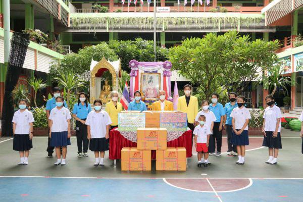 2020–06-24 泰国统促会向LUMPINI小学捐赠学习用品
