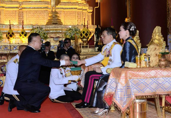 2020–10-12 十世皇陛下御临WAT DEBSIRINDRAVAS行常年布施礼